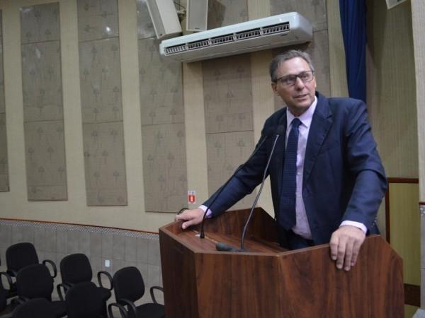 Vereador Mauri Wierrbicki solicita cópia da folha de pagamento dos funcionários efetivos