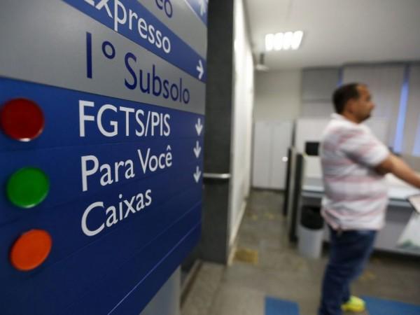 Trabalhadores vão poder sacar recursos de contas ativas do FGTS