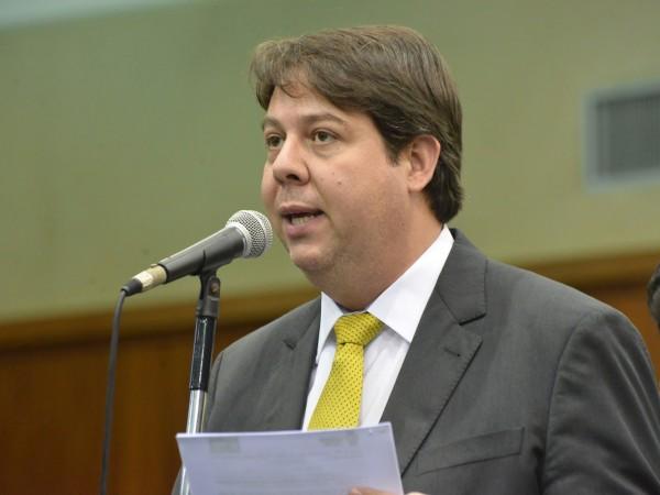 Karlos Cabral quer isentar taxa em concurso público para agentes de proteção da Infância e Juventude
