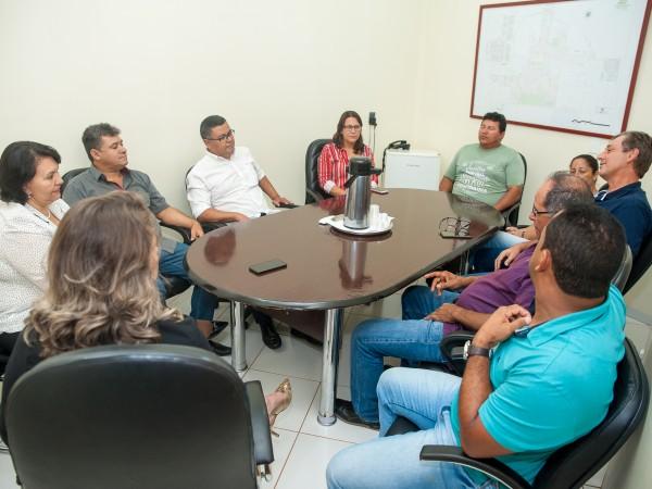 Colégio Fruto da Terra é assunto em visita da Coordenadora Regional de Educação