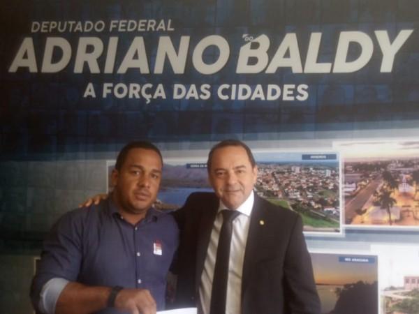 Vereador Rone comemora liberação de mais de 600 mil reais para Chapadão do Céu