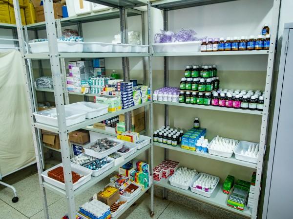 Vereador Sérgio Barbosa solicita farmácia básica na UBS Campo Verde