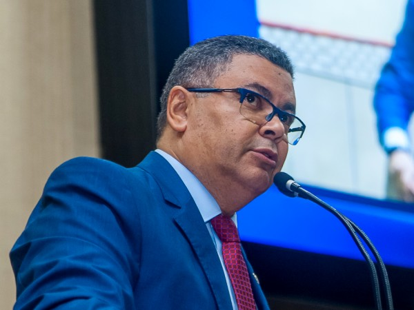 Vereador Luiz Alberto alerta sobre fake News