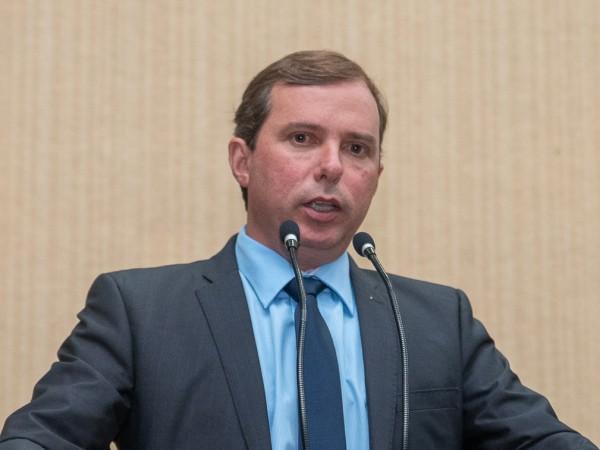 Vereador Marquinhos Navarini parabeniza Presidente da ALEGO Lissauer Vieira