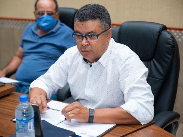 Vereador Luiz Alberto faz cobranças à administração municipal.