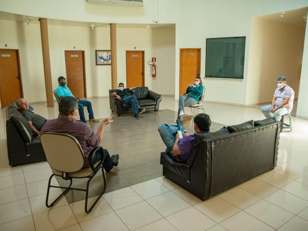 Vereadores e Secretária de Saúde debatem o avanço dos casos de COVID-19 em Chapadão do Céu