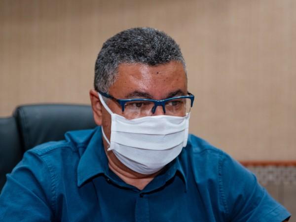 Vereador Luiz Alberto solicita esclarecimentos sobre resultados de testes do COVID-19