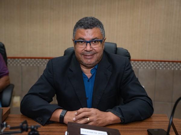 Vereador Luiz Alberto questiona valores pagos para assessoria jurídica do Poder Executivo