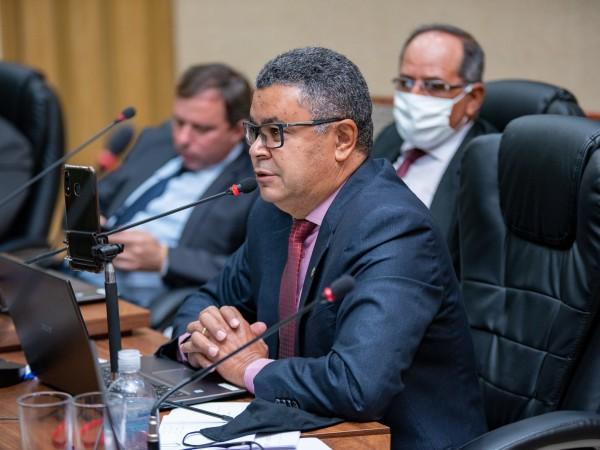 Vereador Luiz Alberto ressalta que atos do Poder Legislativo melhoram a vida da população