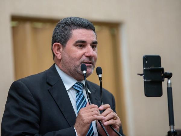 Vereador Paulinho da Mec Céu destaca importância do Poder Legislativo na conquista de benefícios