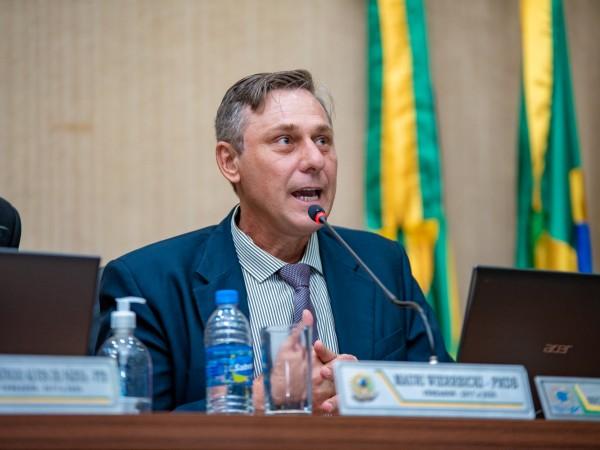 Vereador Mauri comemora índices do IDEB em Chapadão do Céu