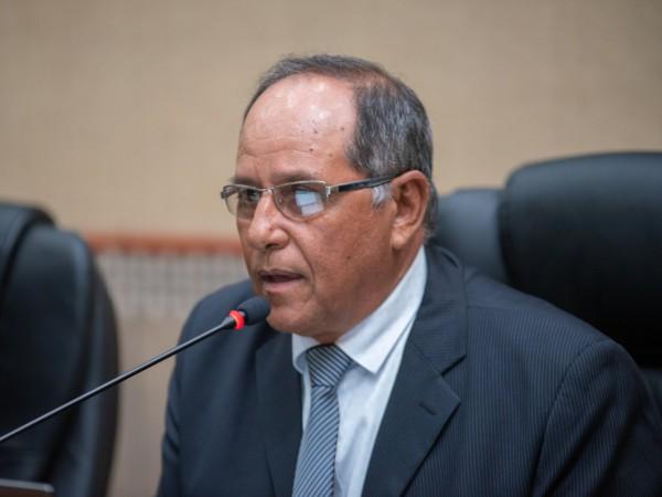 Presidente Bigico anuncia restrição de veículos oficiais durante período eleitoral