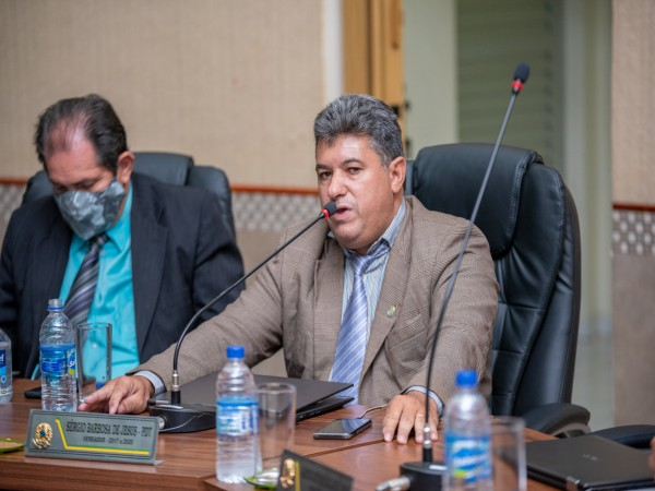 Vereador Sérgio Barbosa cobra providências da ENEL sobre falta de energia elétrica