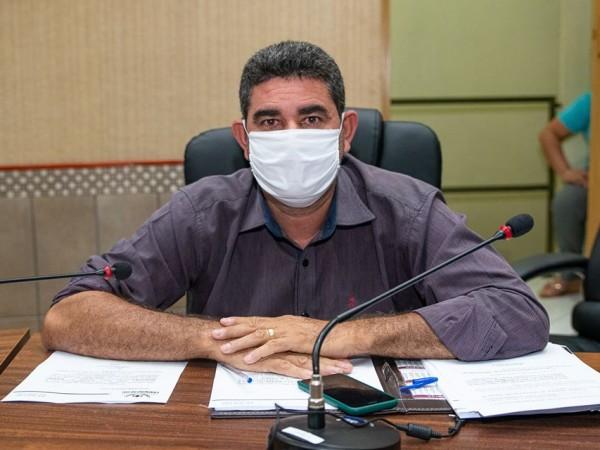 Vereador Paulinho da Mec Céu solicita quebra-molas na Avenida Leão Sul