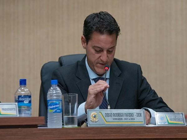Melhorias nos serviços de telefonia e conexão local são pautadas pelo vereador Diego Fávero