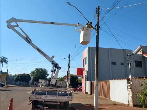 Executivo inicia substituição de iluminação pública